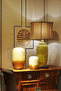 中式家具与陶瓷装饰品