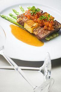 西餐美食牛脊肉