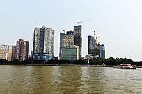 珠江对面的高楼群