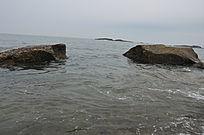 海边大石头
