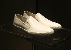 白色男士牛皮鞋
