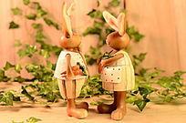 小兔子萝卜桌面小摆件