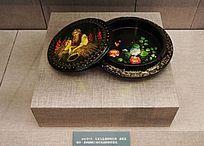 彩绘人物花卉漆盒