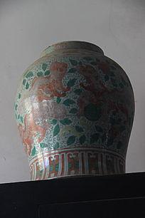 刻花陶瓷花瓶