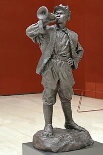 雕塑红军小号手