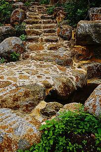 上山石头小路