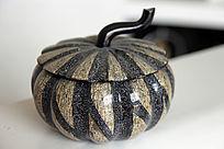 黑色纹理南瓜罐
