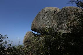 拢聚的岩石
