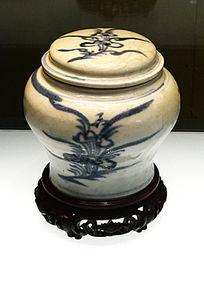 青花折枝花盖罐