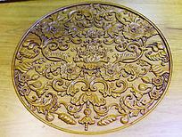 缠枝花纹木雕
