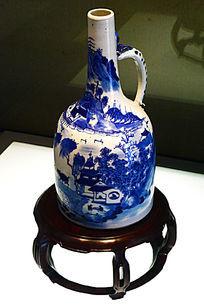 青花山水人物图把铃瓶