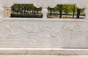 荷塘莲花浮雕