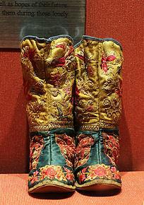 中国传统服饰刺绣棉鞋