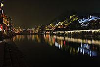 凤凰古城沱江边夜景