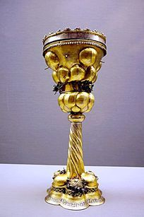 罗马尼亚珠宝展上的高脚杯