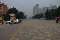 学校门口的马路