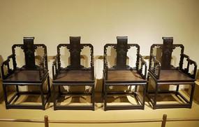 紫檀雕蝙蝠衔佩纹书卷式扶手椅