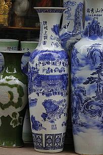 彩绘大花瓶
