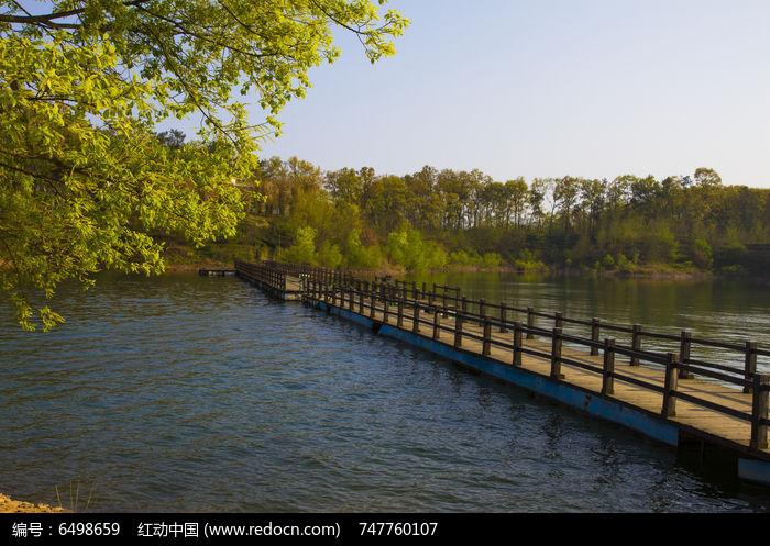 南湾湖栈桥图片