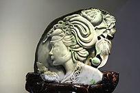 翡翠雕件古代美女