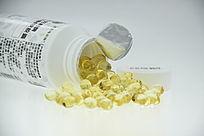淡黄色药片