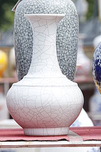 白色纹理花瓶