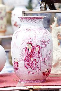彩绘白粉花瓶