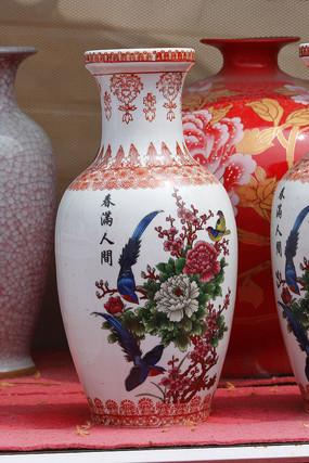 彩绘春满人间花瓶