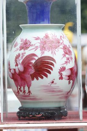 彩绘公鸡花瓶