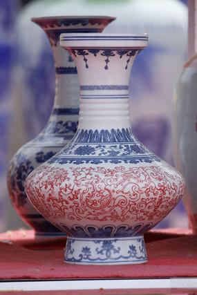 彩绘红花蓝花花瓶