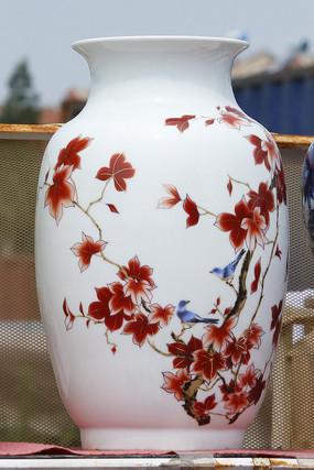 彩绘红叶白花瓶