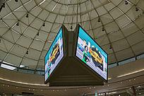 番禺万达广场内三面显示大电视广告