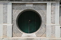 中西合璧式样砖雕方框圆门