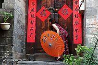 蜀河古镇里的旗袍女人