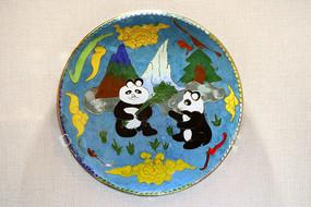 新景泰蓝熊猫吃竹子