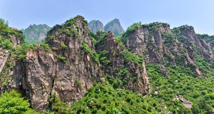 罗姐寨的山峰群一览