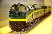 青藏铁路内燃机车火车模型