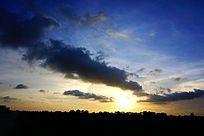 蓝色天空彩云