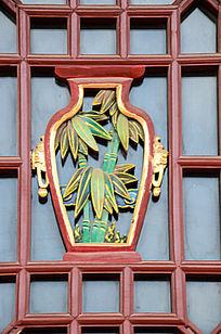 竹子宝瓶木窗