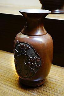 陶瓷荷花瓶