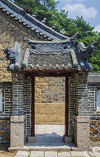 千山太和宫侧门房式门楼