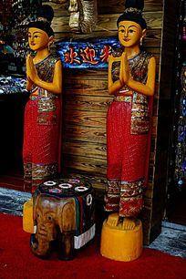 泰国妇人木雕