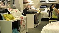 上海家纺展会枕芯靠垫货柜陈列
