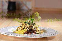 雪菜丁香鱼炒饭