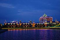 湖泊欧式城堡灯光