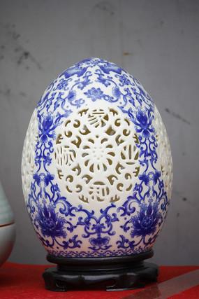 蛋形彩绘瓷器