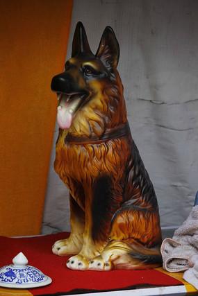 狼狗瓷器摆件