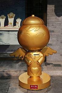 金色小天使雕像