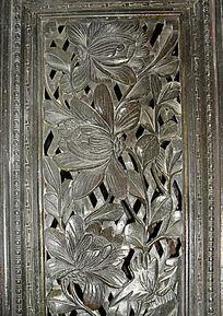 窗棂雕刻艺术-花朵图案木雕