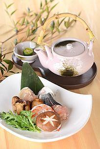 松茸茶壶汤